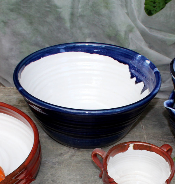 Straight sided mixing bowl blue lifestyle shot