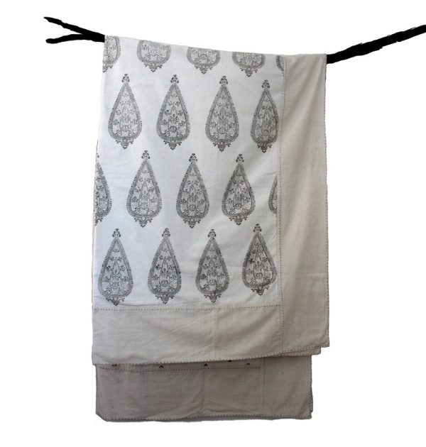 Riza Grey embroidered blanket 800x800